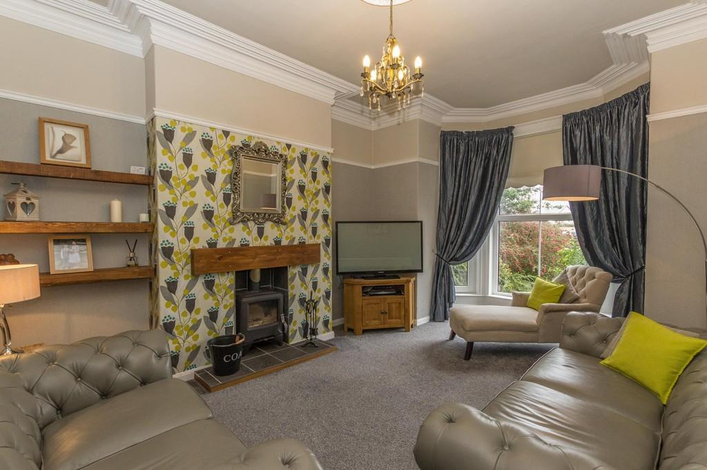 5 Bedrooms Terraced House for sale in Abbey Road, Barrow-In-Furness