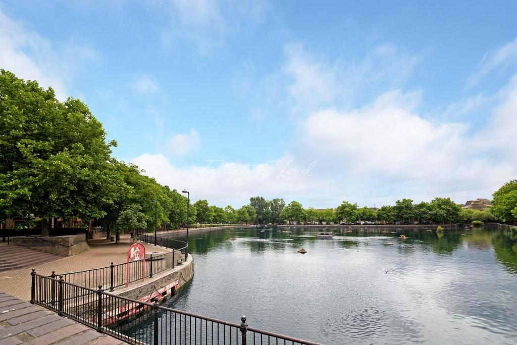 2 Bedrooms Flat for sale in Raleigh Court, Surrey Quays SE16