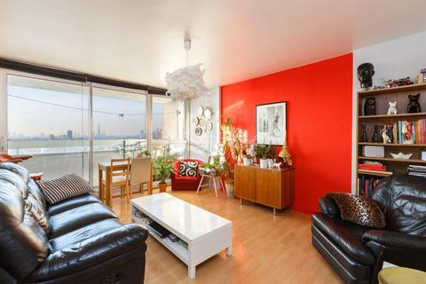 3 bedroom apartment to rent - Westferry Road, E14