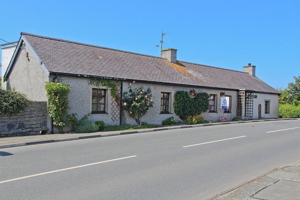 3 Bedrooms Cottage House for sale in Trearddur Bay, Anglesey, North Wales