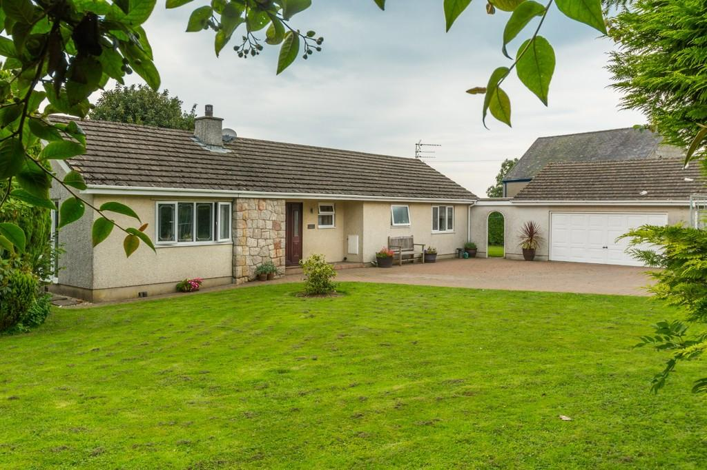 4 Bedrooms Detached Bungalow for sale in Tyn Y Gongl, Benllech, North Wales