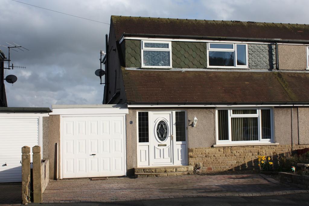 3 Bedrooms Semi Detached Bungalow for sale in 23 Westover Road, Warton,Carnforth, Lancashire, LA5 9QT