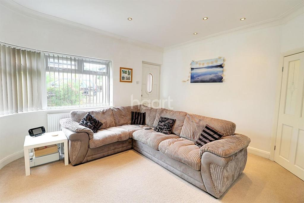 4 Bedrooms Bungalow for sale in Rannock Avenue, London NW9