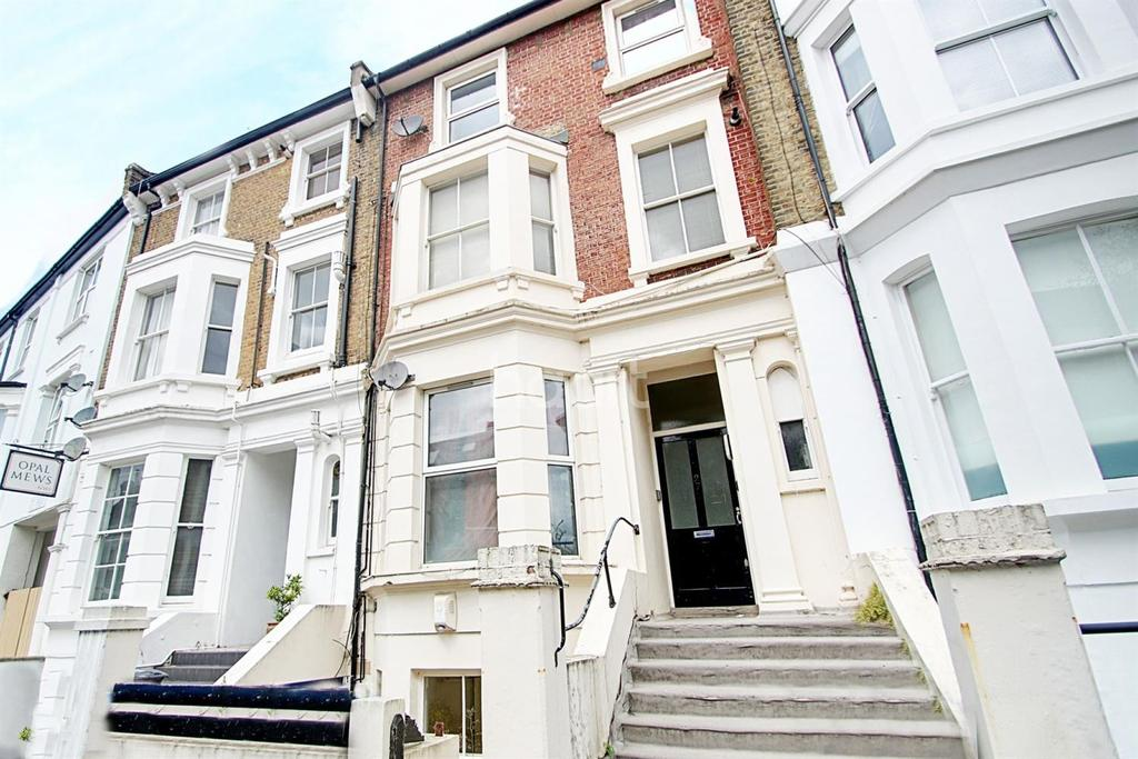 2 Bedrooms Flat for sale in Priory Park Road, NW6