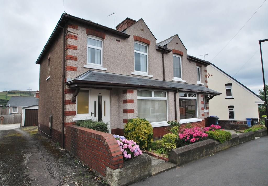 3 Bedrooms Semi Detached House for sale in Melbourne Road Stocksbridge Sheffield