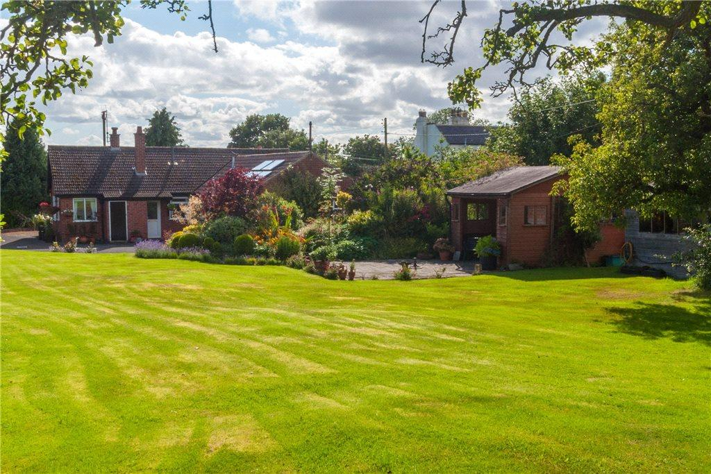3 Bedrooms Detached Bungalow for sale in Hillcrest, Thormanby, York, North Yorkshire