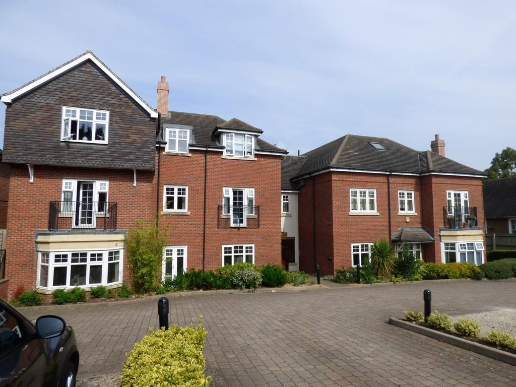 2 Bedrooms Apartment Flat for sale in Katherine Place, Knowle