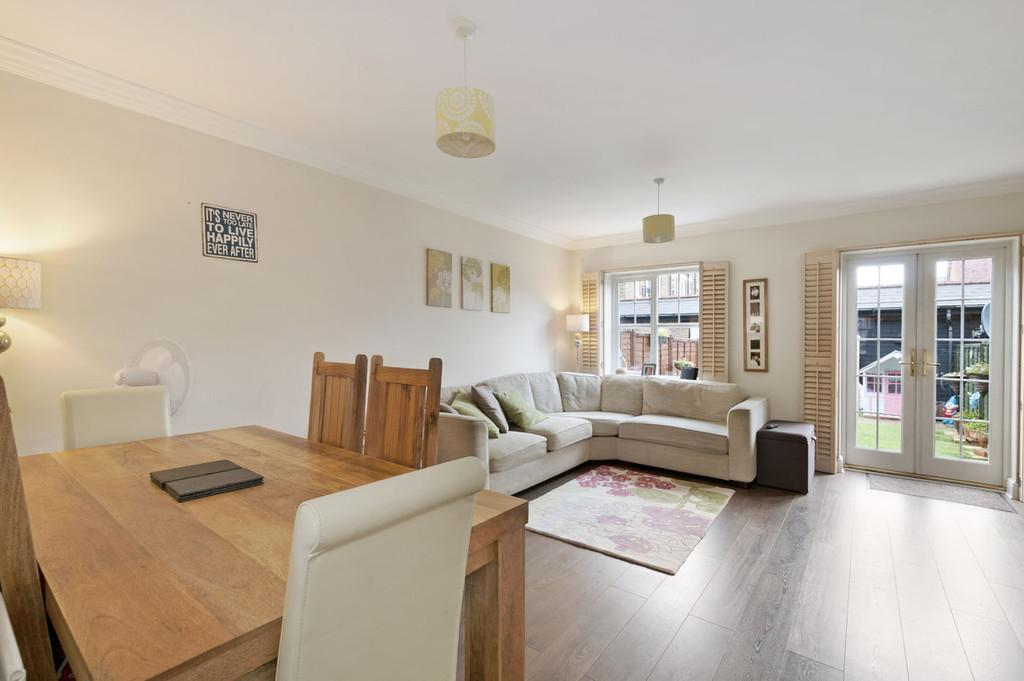 3 Bedrooms Terraced House for sale in Cardinal Walk, Kings Hill
