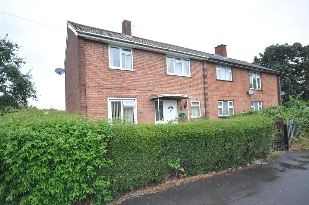 3 Bedrooms Semi Detached House for sale in Somerville Road, Walcot, Swindon, Wiltshire, SN3