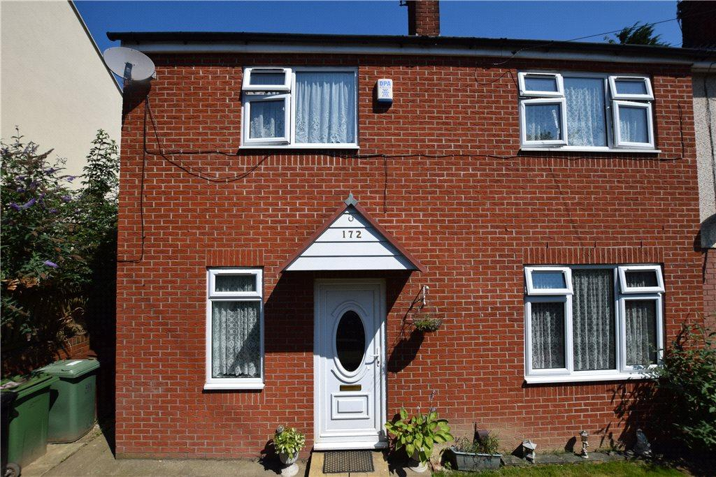 3 Bedrooms Semi Detached House for sale in Butterbowl Drive, Leeds, West Yorkshire