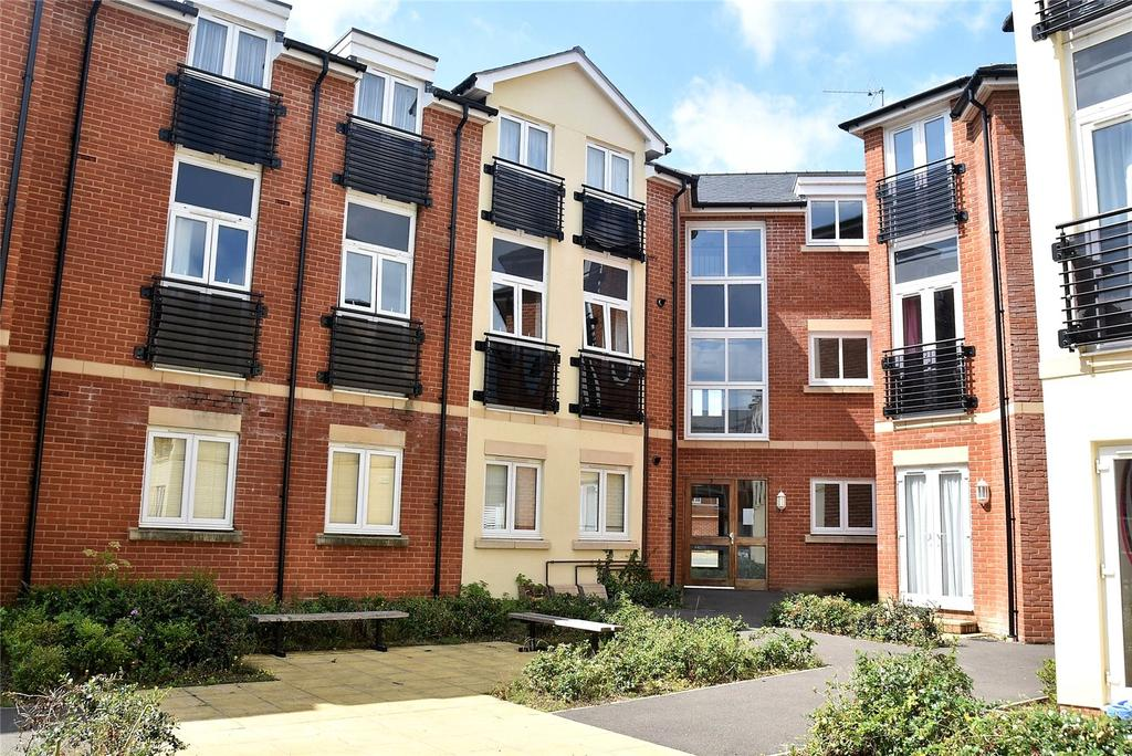 2 Bedrooms Apartment Flat for sale in Boundary Place, Tadley, Hampshire, RG26