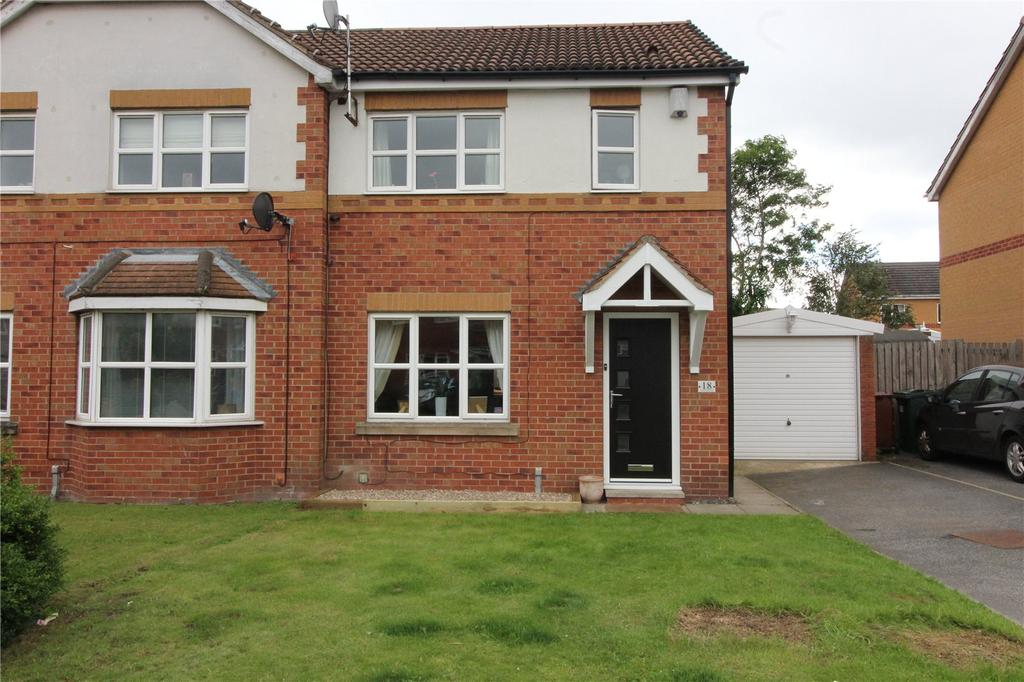3 Bedrooms Semi Detached House for sale in Storrs Wood View, Cudworth, Barnsley, S72