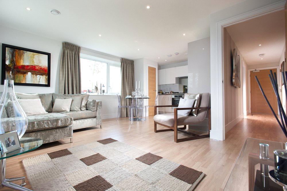 3 Bedrooms Flat for sale in Meridian Waterside, Southampton, SO14