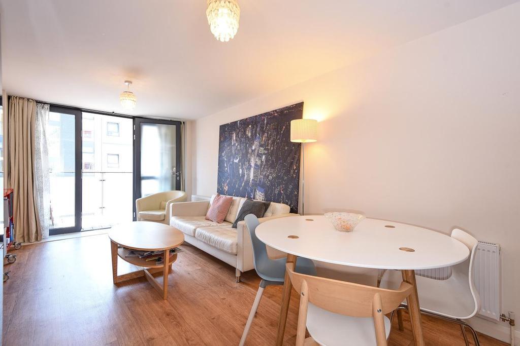 2 Bedrooms Flat for sale in Warple Way, Acton