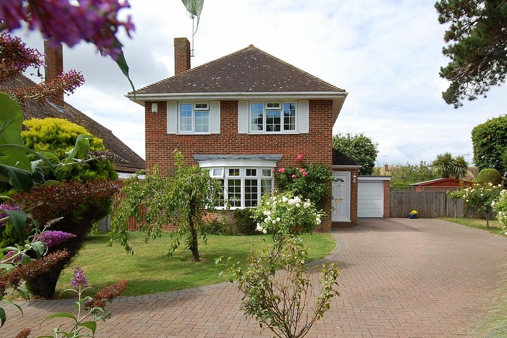 4 Bedrooms Detached House for sale in Birkdale Gardens, Herne Bay