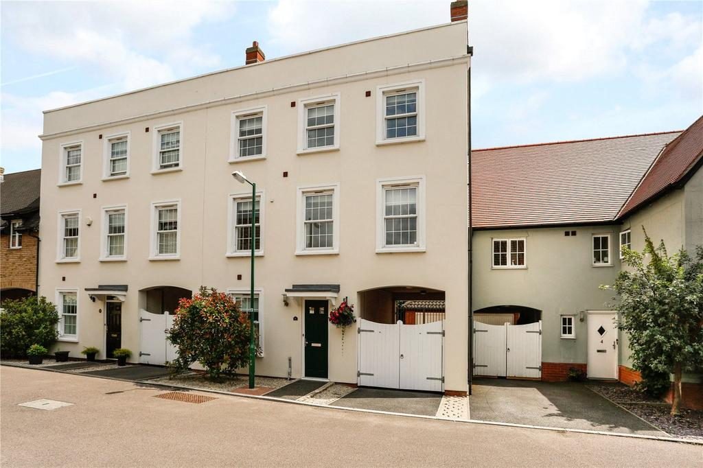 4 Bedrooms Semi Detached House for sale in Allen Way, Springfield, Chelmsford, CM2