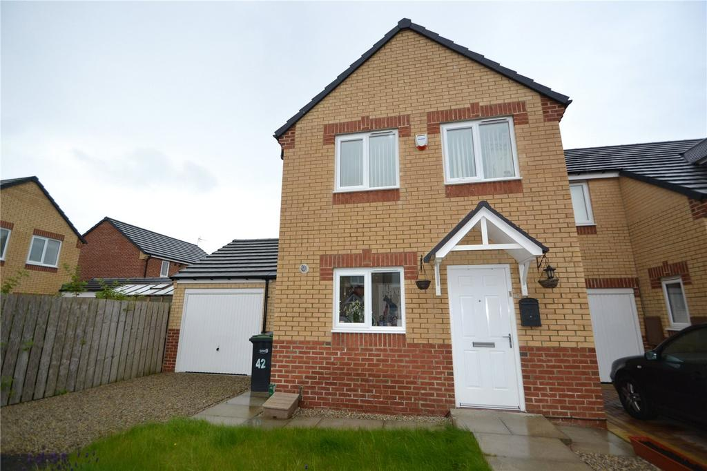 3 Bedrooms Semi Detached House for sale in Dormand Court, Wingate, Co.Durham, TS28