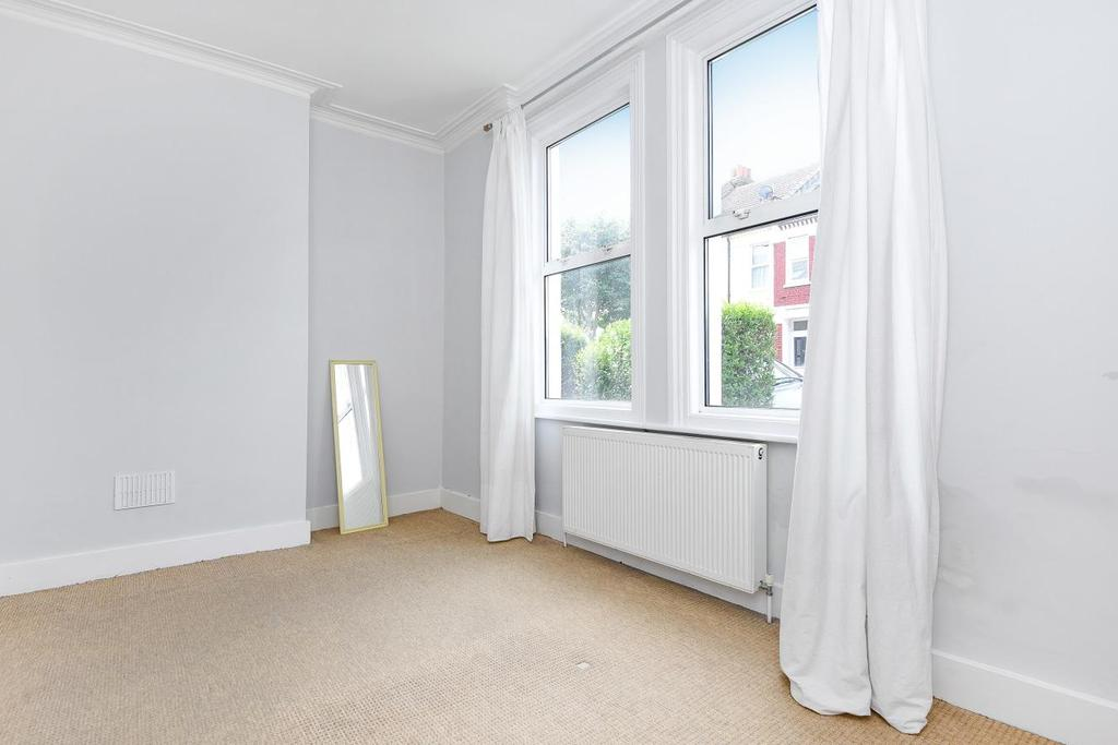 2 Bedrooms Flat for sale in Gilbey Road, Tooting