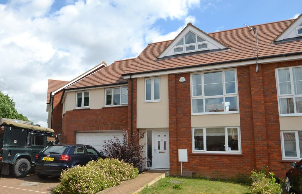 3 Bedrooms Town House for sale in Audley Grove, Rushmere St. Andrew, Ipswich, Suffolk, IP4 5UD