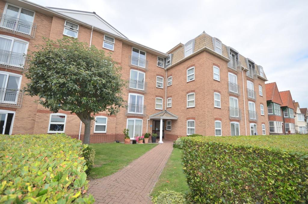 2 Bedrooms Apartment Flat for sale in Princes Esplanade, Walton On The Naze, CO14 8QD