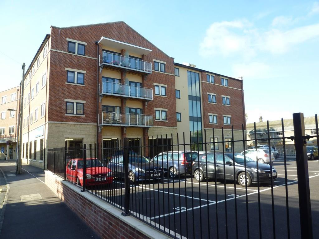 2 Bedrooms Apartment Flat for sale in Fortescue House, Court Street