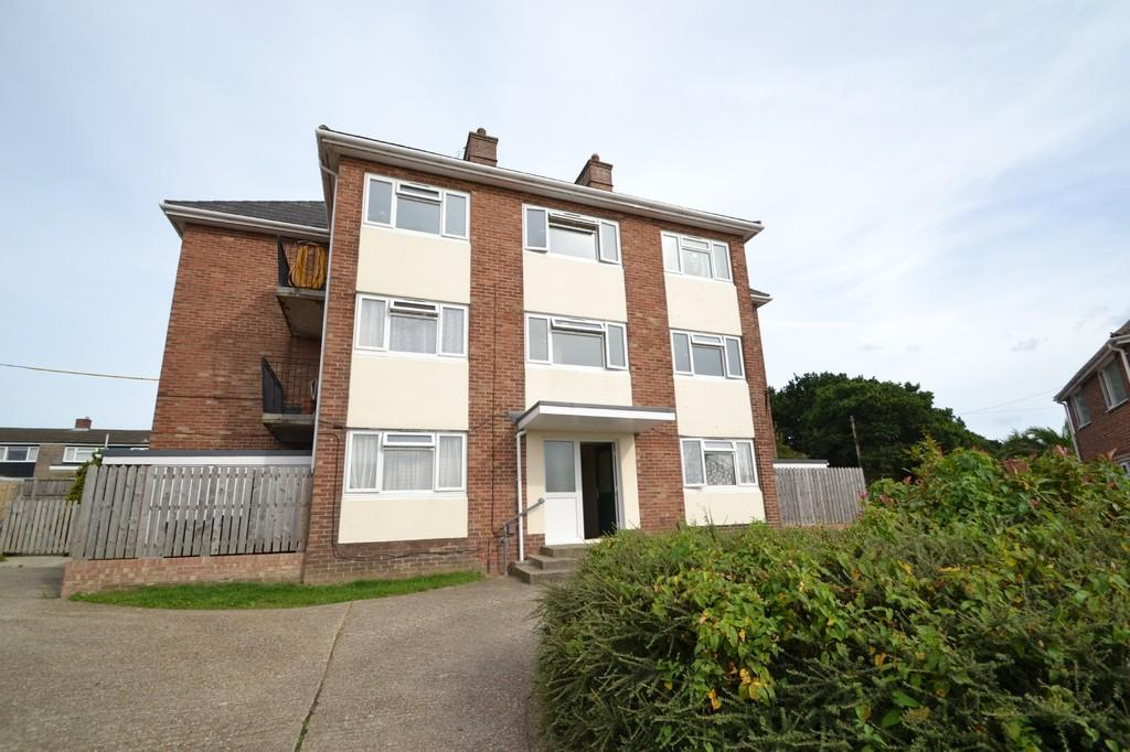 2 Bedrooms Apartment Flat for sale in Tennyson Close, Ryde
