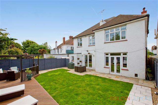 5 Bedrooms Detached House for sale in Amesbury Crescent, Hove