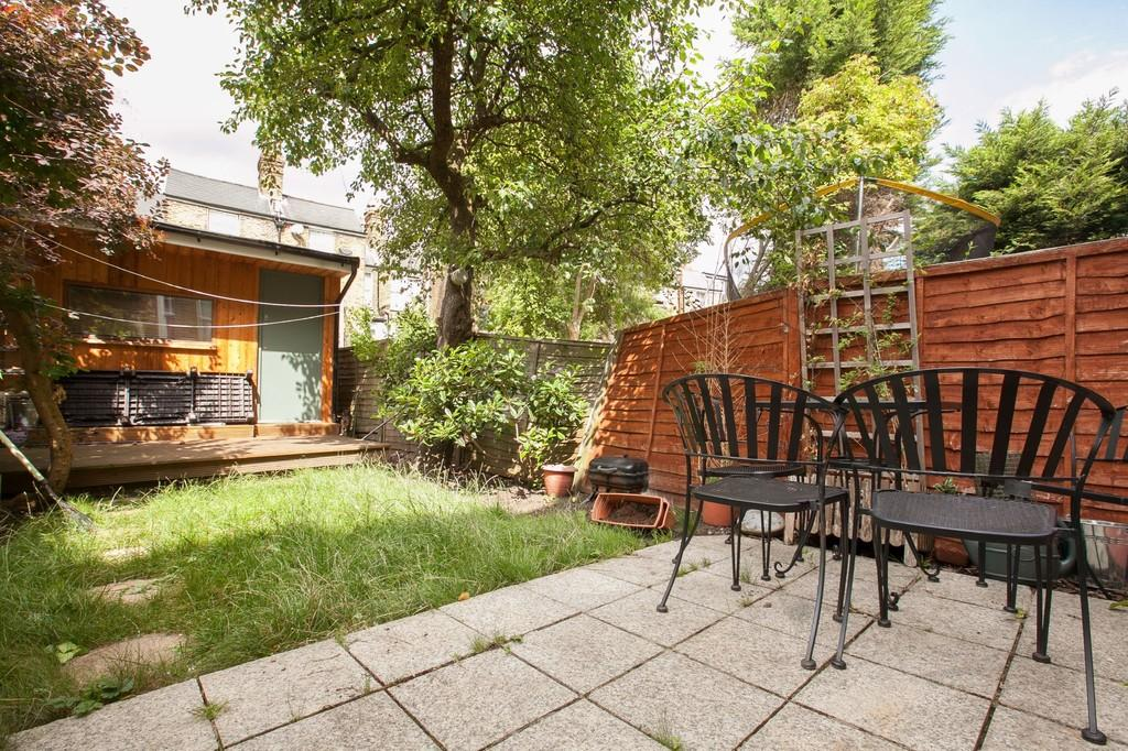 1 Bedroom Apartment Flat for sale in Chardmore Road, London