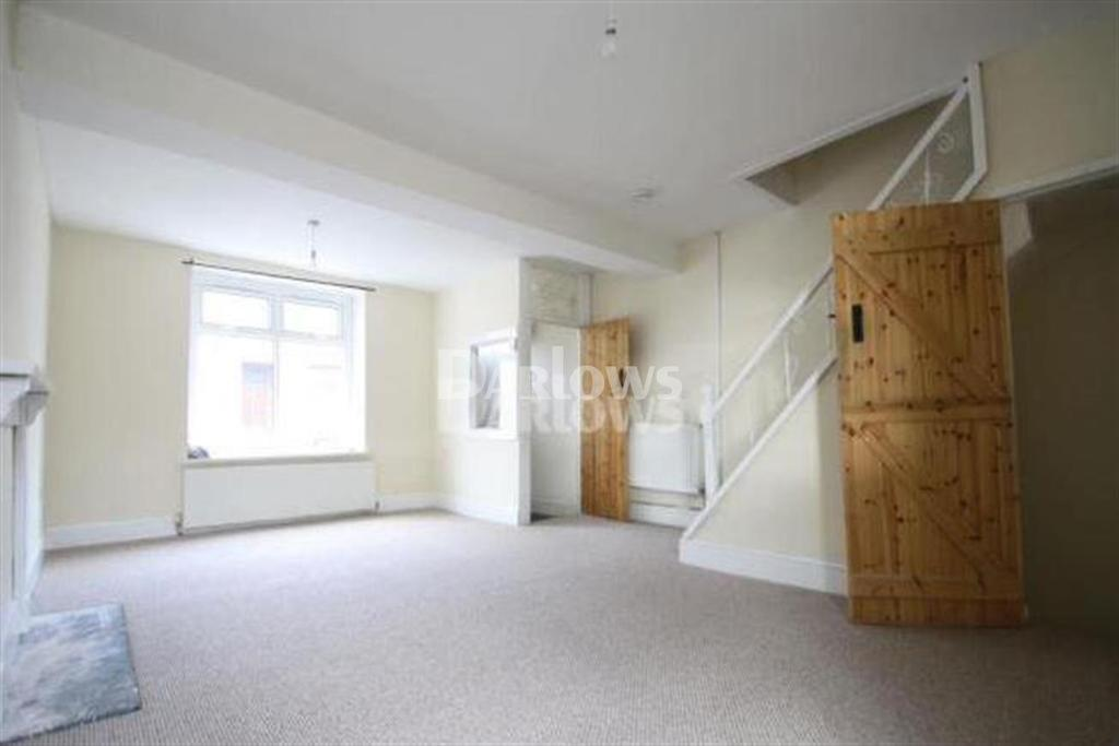 3 Bedrooms End Of Terrace House