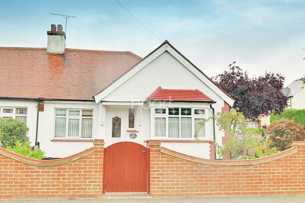 2 Bedrooms Bungalow for sale in Shakespeare Avenue