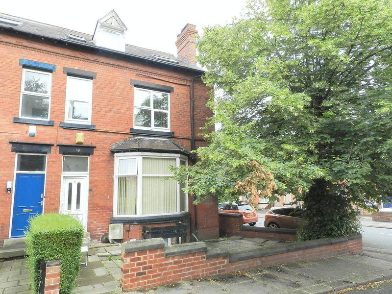 11 Bedrooms Semi Detached House for sale in Headingley Avenue, Leeds