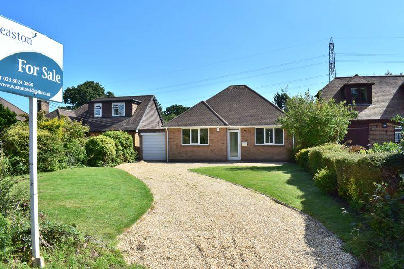 2 Bedrooms Detached Bungalow for sale in Rollestone Road, Southampton