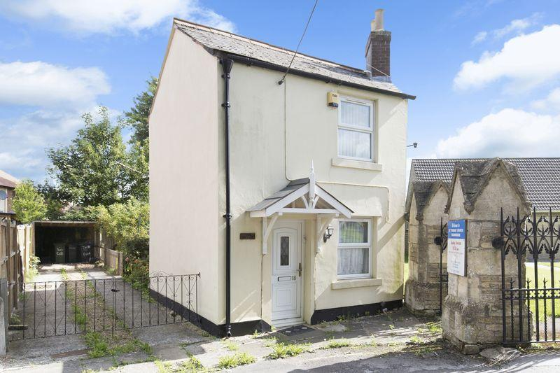 3 Bedrooms Detached House for sale in Trowbridge