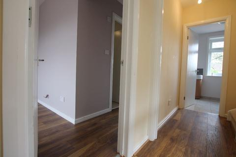 4 bedroom flat to rent - The Vale, NW11 8TN