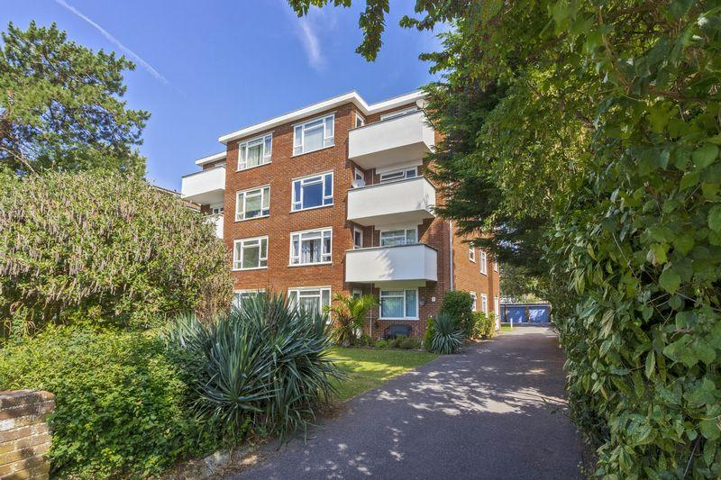 2 Bedrooms Apartment Flat for sale in Lansdowne Road, Worthing
