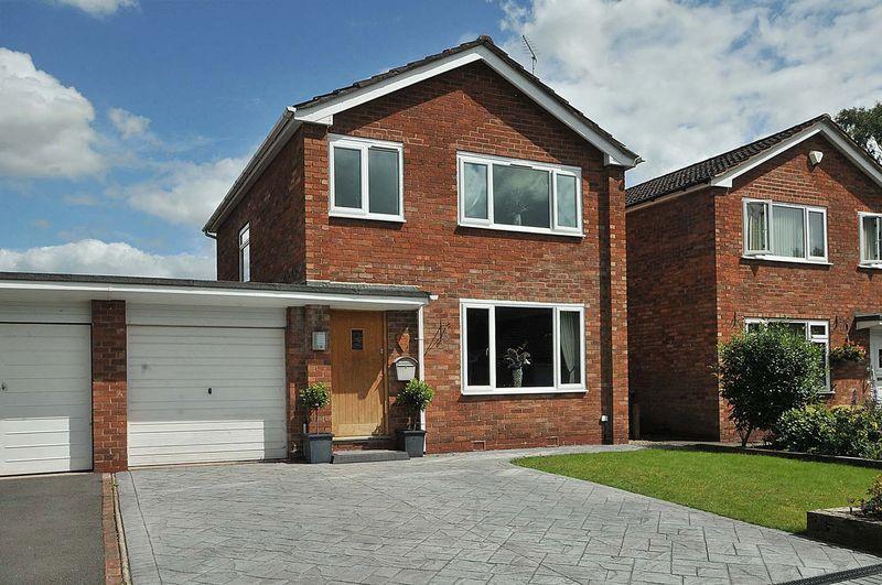 3 Bedrooms Link Detached House for sale in Summerfield Road, Mobberley