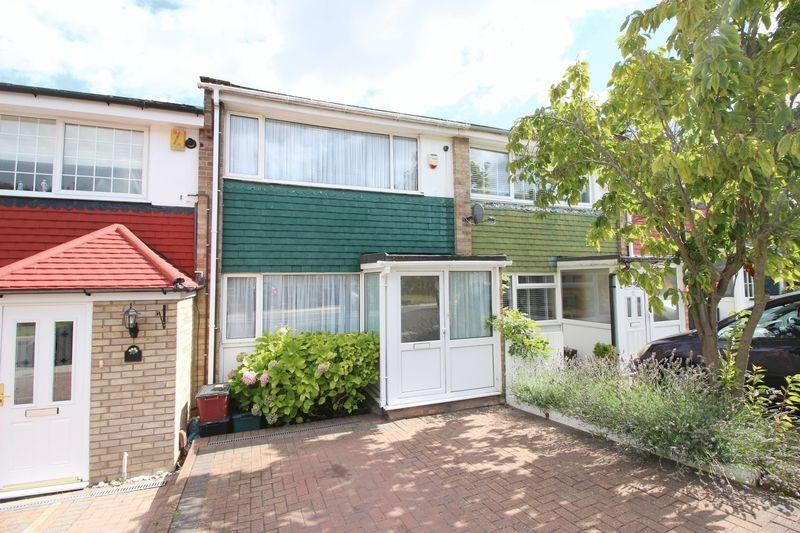 2 Bedrooms Terraced House for sale in Tyron Way, Sidcup, DA14 6AZ