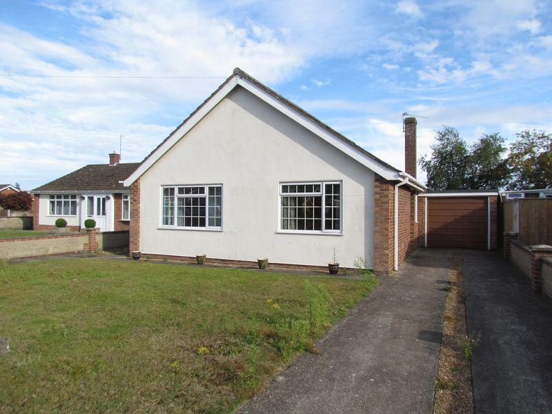 3 Bedrooms Detached Bungalow for sale in Olive Crescent, Horsford, Norwich
