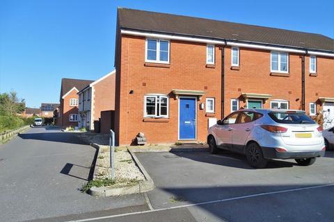 2 bedroom terraced house for sale - Redwing Road, Melksham