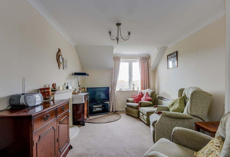 2 Bedrooms Apartment Flat for sale in East Preston