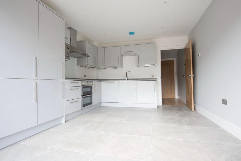 2 Bedrooms Town House for sale in Pound Lane, Canterbury