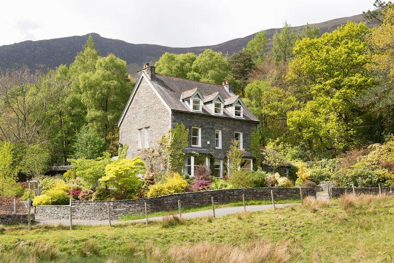 6 Bedrooms Detached House for sale in Tor House, Grange, Keswick, Cumbria