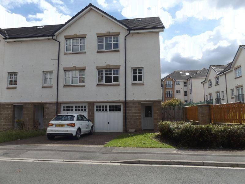 4 Bedrooms Mews House