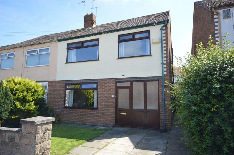 3 Bedrooms Semi Detached House for sale in Westway, Greasby