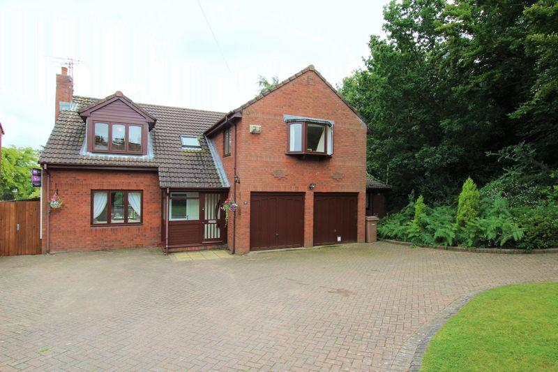 5 Bedrooms Detached House for sale in North Drive, Heswall, Wirral