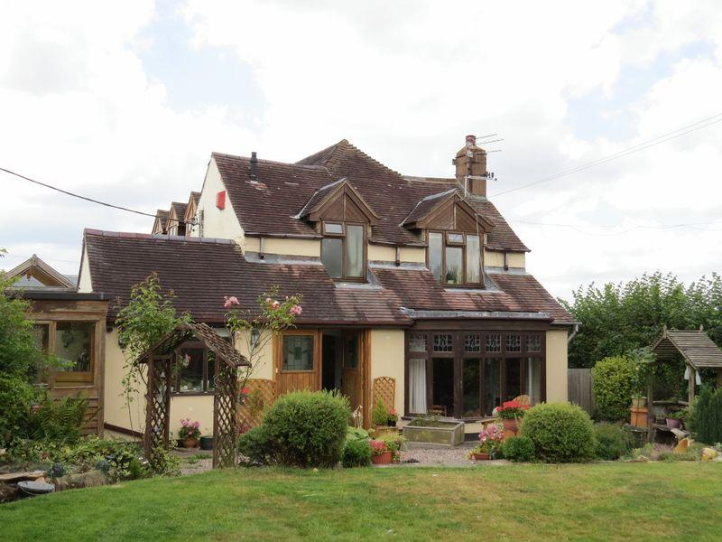 4 Bedrooms Detached House for sale in Lower Road, Pontesbury Hill, Shrewsbury, SY5 0YH