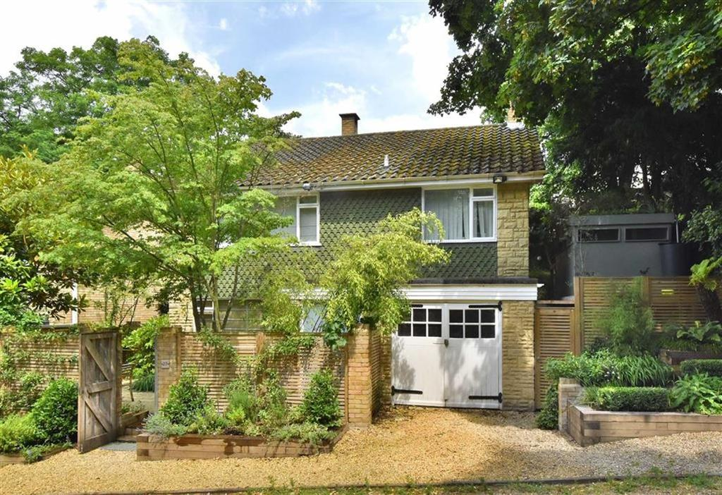 4 Bedrooms Detached House for sale in Elstree Hill, Bromley, Kent