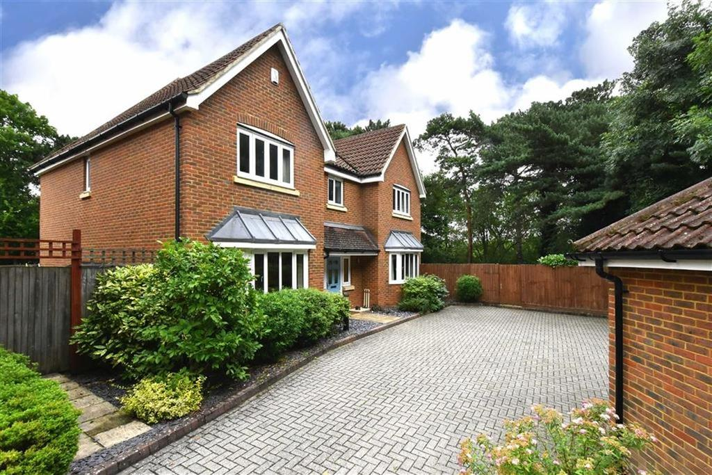 5 Bedrooms Detached House for sale in Belfry Close, Bromley, Kent