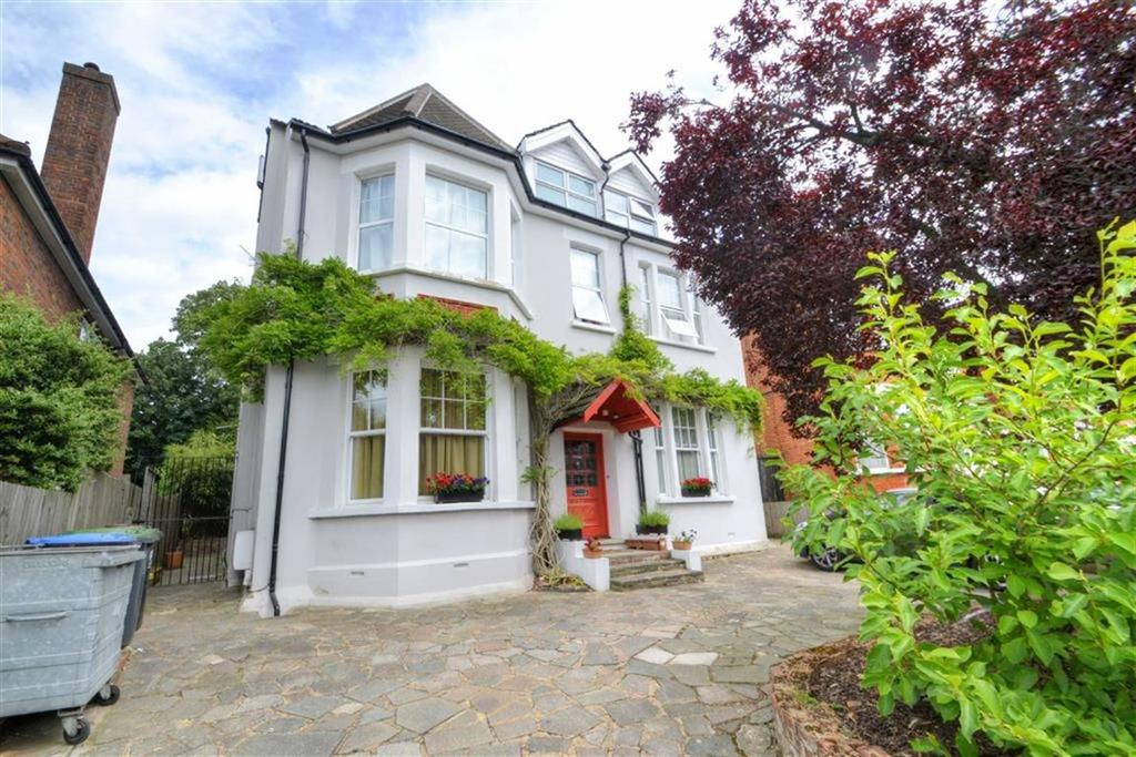 2 Bedrooms Flat for sale in Sandford Road, Bromley, Kent