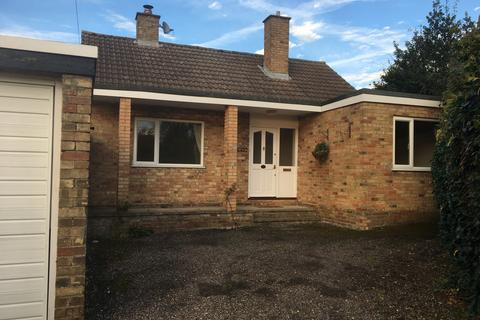2 bedroom detached bungalow to rent - Copthall Lane, Chalfont St Peter, SL9